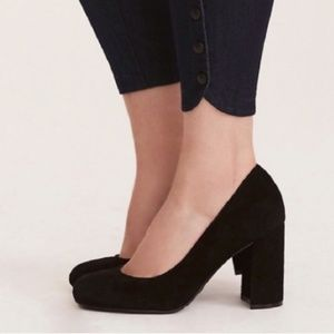Torrid Suede Round Toe Curved Block Heel 9.5 Wide